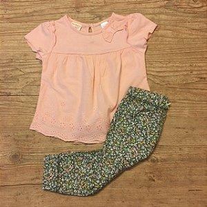 ZARA conjuno camiseta rosa lesie + CARTERS calça florida 12 meses