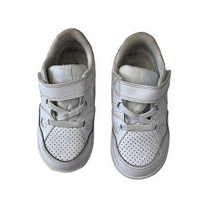 NIKE tênis couro branco velcro USA 8 BRA 24