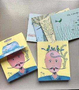 """Caixa com chapéu azul - """"Joõesinhos.livros de uma folha só"""""""