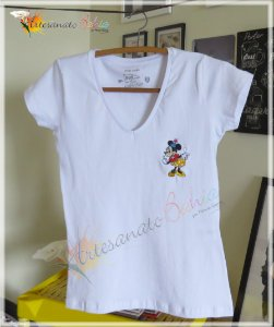 Camiseta Bordada Minnie