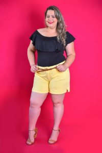 Shorts Feminino Plus Size Sarja com Cinto