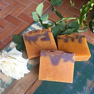 Sabonete e Xampu Sólido Pracaxi Bacuri Oliva Coco-  Óleo Essencial Capim Limão Alecrim Vetiver - -130g