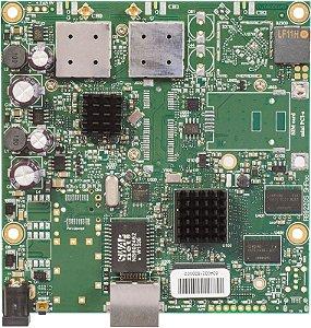 Mikrotik RB 911 - 5HPacD (com enclosure)