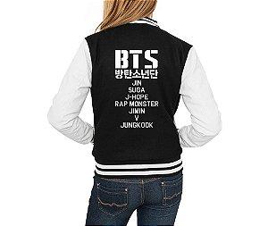 Jaqueta College Feminina  Bts Bangtan Boys Kpop Nomes Integrantes Membros Nova Logo BTS- Jaquetas Colegial Americana Universitária Baseball de Frio Preto e Branco Personalizadas Blusas/ Casacos/ Blusão Baratos