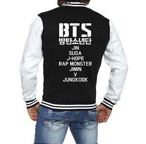 Jaqueta College Masculina Bts Bangtan Boys Kpop Nomes Integrantes Membros Nova Logo BTS - Jaquetas Colegial Americana Universitária Baseball de Frio Preto e Branco Personalizadas Blusas/ Casacos/ Blusão Baratos