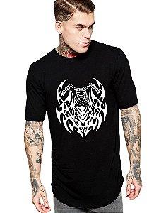 Camiseta Long Line Oversized Masculina Moto Tribal Camisetas Barra Curvada - Camisetas Personalizadas/ Customizadas/ Estampadas/ Camiseteria/ Estamparia/ Estampar/ Personalizar/ Customizar/ Criar/ Camisa Barata Modelos Legais Loja Online
