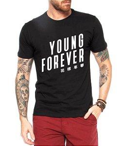 Camiseta Masculina BTS Bangtan Boys Kpop Young Forever - Personalizadas/ Customizadas/ Estampadas/ Camiseteria/ Estamparia/ Estampar/ Personalizar/ Customizar/ Criar/ Camisa Blusas Baratas Modelos Legais Loja Online