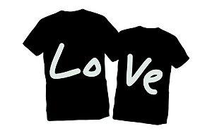Camiseta Namorados Amor Love Casal - Personalizadas/ Customizadas/ Estampadas/ Camiseteria/ Estamparia/ Estampar/ Personalizar/ Customizar/ Criar/ Camisa Blusas Baratas Modelos Legais Loja Online