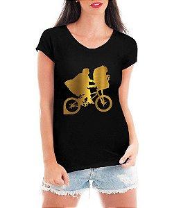 T-shirt Feminina preta Et Filme Bicicleta Menino Dourada - Personalizadas/ Customizadas/ Estampadas/ Camiseteria/ Estamparia/ Estampar/ Personalizar/ Customizar/ Criar/ Camisa Blusas