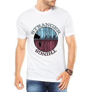 Camiseta Masculina Branca Série Seriado Stranger Things Mundo Invertido - Personalizadas/ Customizadas/ Estampadas/ Camiseteria/ Estamparia/ Estampar/ Personalizar/ Customizar/ Criar/ Camisa Blusas Baratas Modelos Legais Loja Online