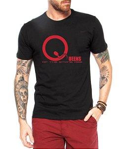 Camiseta Masculina Preta Banda de Rock QUEENS Of The Stone - Personalizadas/ Customizadas/ Estampadas/ Camiseteria/ Estamparia/ Estampar/ Personalizar/ Customizar/ Criar/ Camisa Blusas Baratas Modelos Legais Loja Online