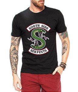 Camiseta Masculina Riverdale South Of Side Serpents Seriado Série  - Personalizadas/ Customizadas/ Estampadas/ Camiseteria/ Estamparia/ Estampar/ Personalizar/ Customizar/ Criar/ Camisa Blusas Baratas Modelos Legais Loja Online
