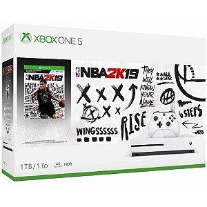 XBOX ONE S 1TB  + JOGO NBA2K 19 (BRINDE)