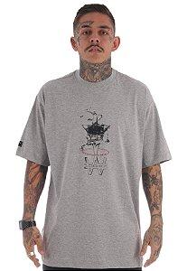 Camiseta Premium Wanted - Drink Cinza