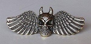 Anel de caveira com asas