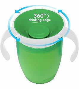 Copo de Treinamento Munchkin 360º, cor verde, capacidade 207ml