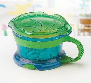 Porta Biscoitinhos Click Lock, com tampa, alça e fundo emborrachados, cor Azul/Verde, da Munchkin