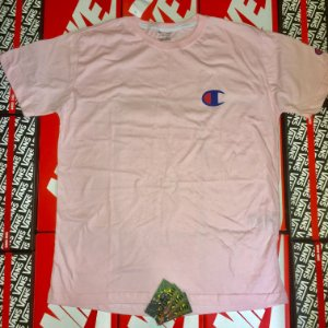 Camiseta Champion Small Logo - Rosa