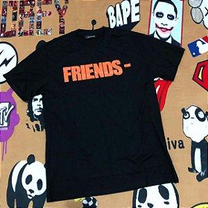 """Camiseta VLONE """"Friends"""" - Preta"""