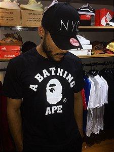 Camiseta Abathing Ape Logo - Preta