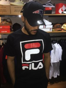 Camiseta Fila Logo - Preta