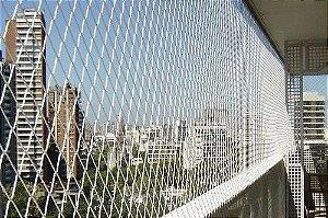 Rede de Proteção Janela Fardo Polietileno Nylon de 7x20 metros no Fio 2.5mm e Malha 5x5 cm. (Rolo com 140m²)