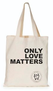 SACOLA ECOBAG ONLY LOVE MATTERS