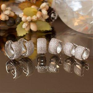 Trio de brincos de argolas ródio branco cravejado em zircônias