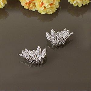 Brinco folhas ródio branco com cravação em zircônias