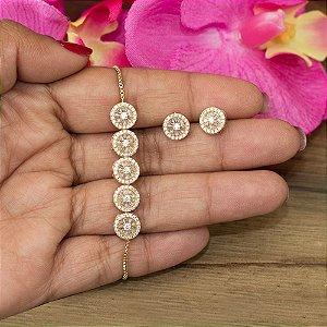 Conjunto dourado com cravação em zircônias cristais