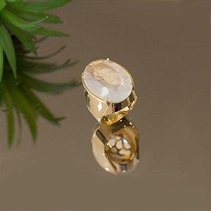 Anel dourado com cristal transparente milk