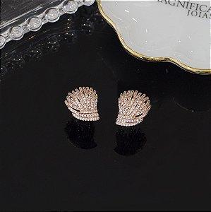 Brinco ouro rosé com cravação em zircônias