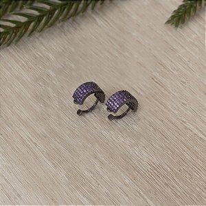 Piercing fake ródio black cravejado com cristais lavanda