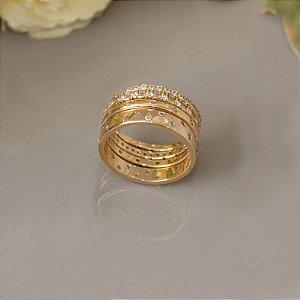 Conjunto de anéis cravejado com zircônias