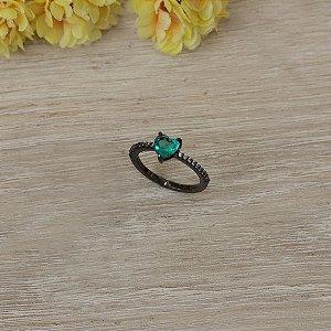 Anel ródio negro com cristal esmeralda