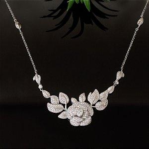 Colar ródio branco floral cravejado com micro zircônias