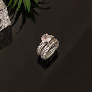 Duo de anel ródio branco cravejado com zircônias e cristal rosa bebê