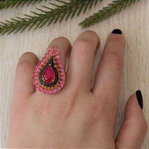 Anel cravejado com zircônias e cristal quartzo rosa e rubi