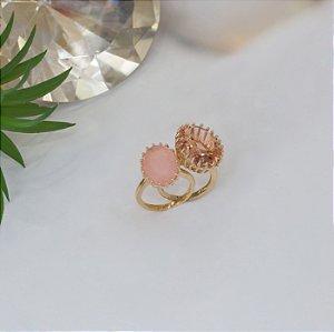 Duo de anéis dourados no cristal morganita