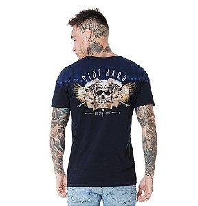 Camiseta Algodão Slim Detalhe Em Lavanderia E Estampa Nas Costas