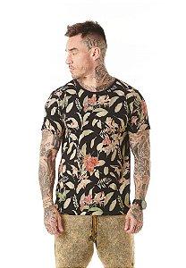 Camiseta Algodão Slim Full Corrosão Flores e Folhas