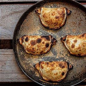 Empanada de Leitoa na brasa (3 unidades congeladas)