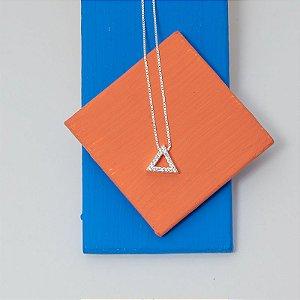 Colar Triângulo Vazado Zircônia