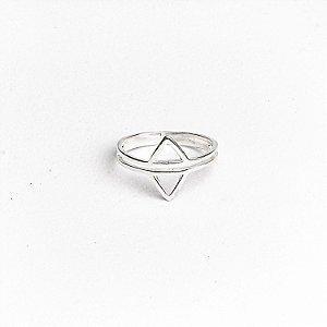 Anel Triângulo Duplo Invertido