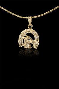 Pingente Ferradura Cravejado 8 Pedras - 1,6 X 1,9cm - Banhado a ouro 18k