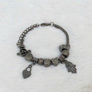 Pulseira inspired, coração de cadeado, mão de fátima, ródio negro, 8 berloques + 2 pingentes - REF P129