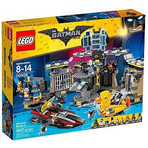 70909 LEGO BATMAN MOVIE Invasão da Batcaverna