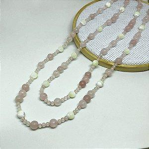 Colar Pedra Quartzo Rosa e Madrepérola com 116 cm