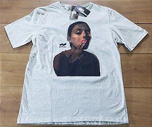 Camiseta Banks Cinza Smoke Girl