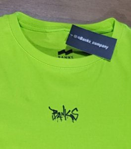 Camiseta Banks Verde Logo Preto